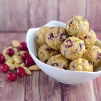No-bake cranberry almond energy balls